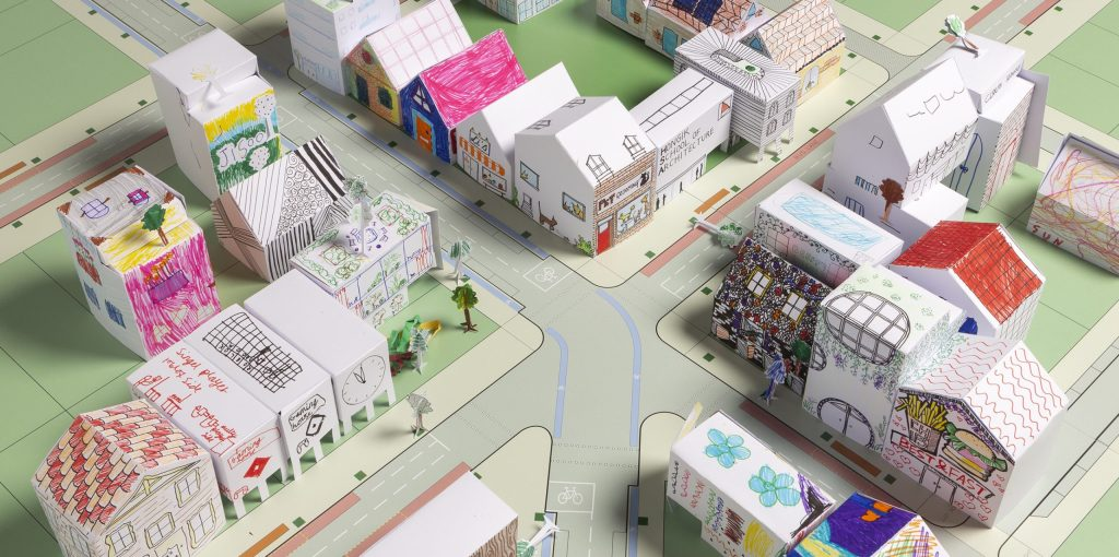 Le cabinet d'architecte Foster + Partners propose aux enfants de créer leur ville avec des origamis à imprimer