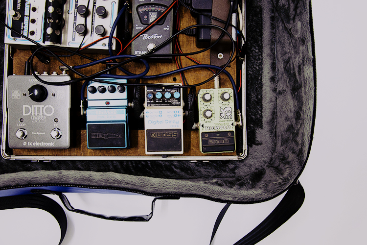 eco-pedalboard-bag-by-www.crearebags.com-featured-750x500