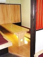 1F大人数用のテーブル
