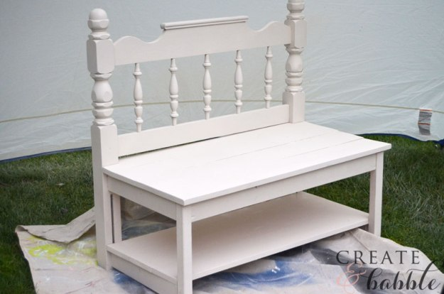 painted-garden-bench-made-from-repurposed-headboard