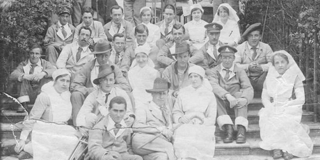 Early-20th-century-nurses