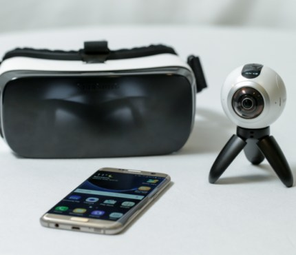 Samsungs Gear360 Camera and Accessories