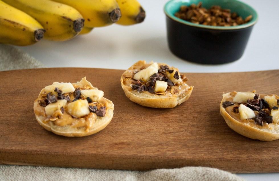 Mini Peanut Butter Banana Breakfast Pizzas (vegan, gluten free) - These mini pizzas are a fun new twist on breakfast. They also make a great snack!