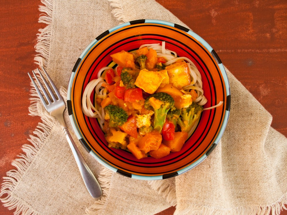 Thai Red Curry with Tofu and Kabocha Squash (vegan, gluten free) - Instead of ordering takeout, why not make curry at home! This comforting recipe is rich and satisfying.