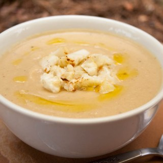 Creamy Roasted Cauliflower and Garlic Soup