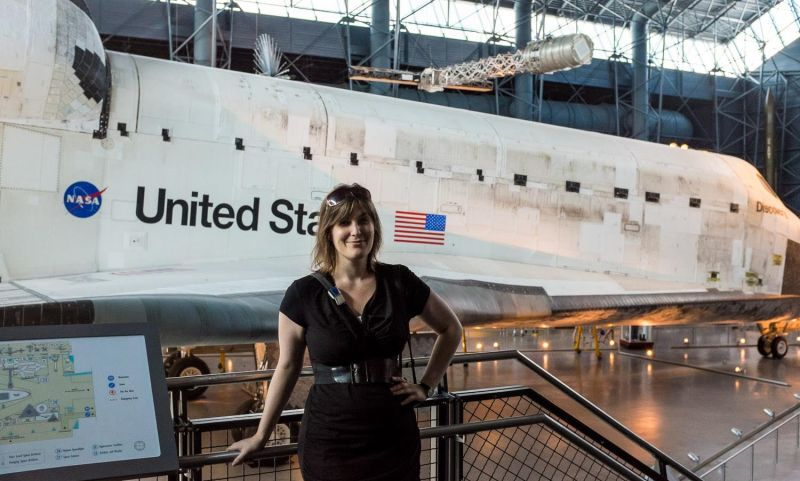 Me in front of Space Shuttle Discovery