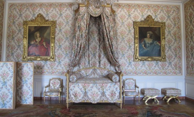 Versailles - Sitting Room