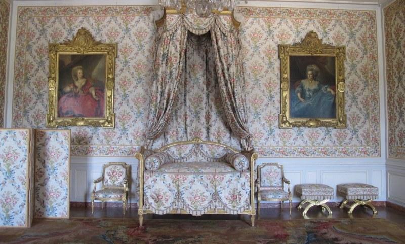 Versailles - Sitting Room