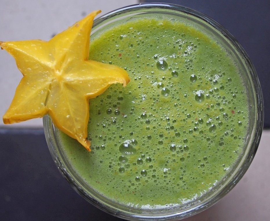 green-smoothie-1394103_1280