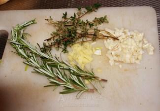 kruiden, rozemarijn, tijm, knoflook en gember