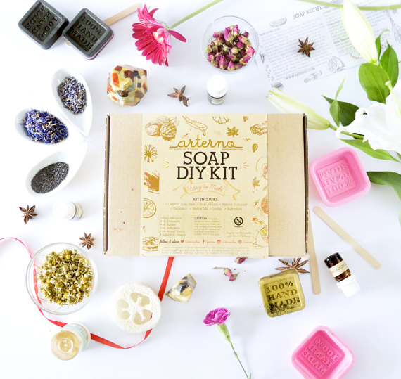 13 Modern DIYs to Try: DIY Kit Organic Soap