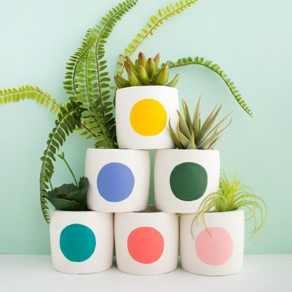 Shop Small This Holiday Season: Get these small Mod circle cement planters from Kailochic on Etsy for under $25! #giftguide #shopsmall #shophandmade