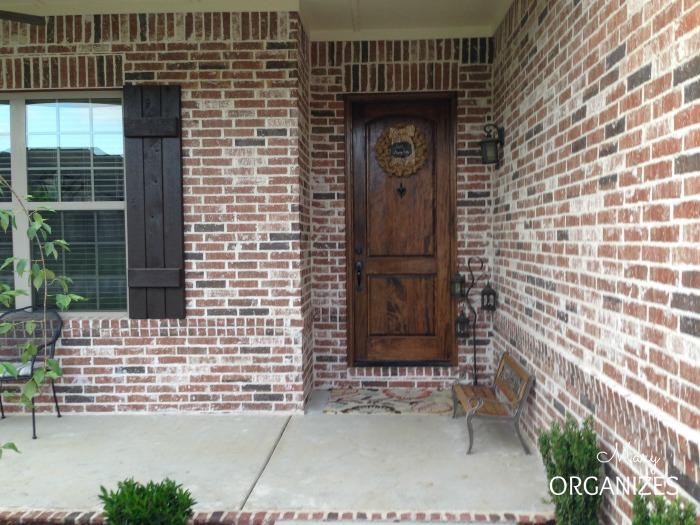 Landscape Reveal - open view of the front door