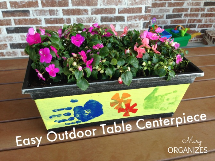 Easy Outdoor Table Centerpiece