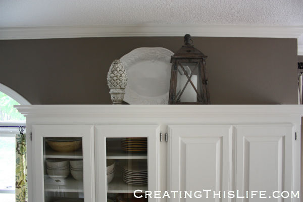 kitchen crown moulding