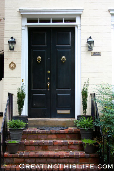 Georgetown doorway black