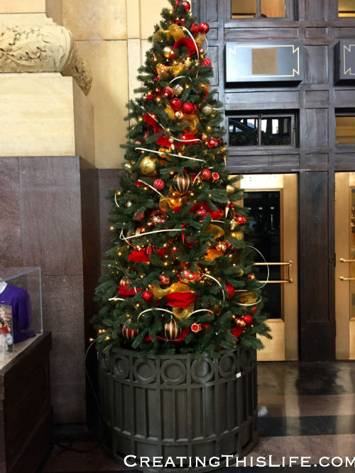 Christmas tree at Union Station in Kansas City