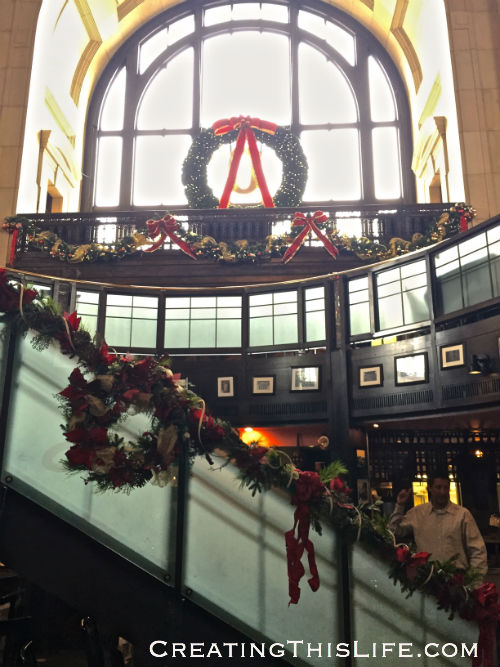 Harvey's Restaurant in Kansas City's Union Station at Christmastime