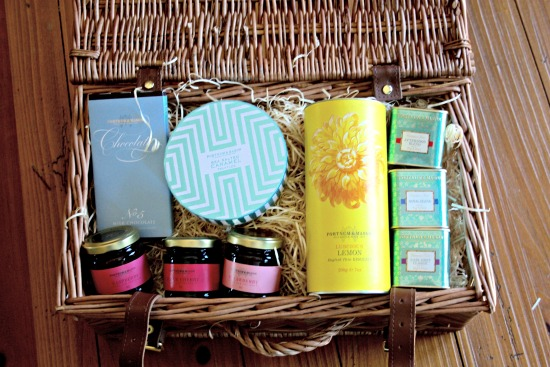 Fortnum and Mason Picadilly Basket Hamper