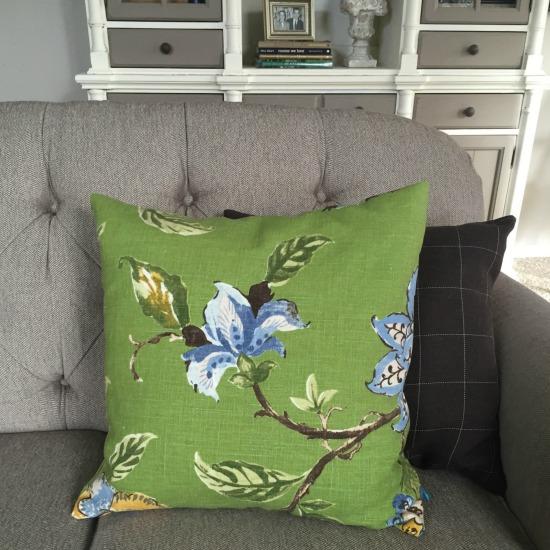 Green pillows for spring