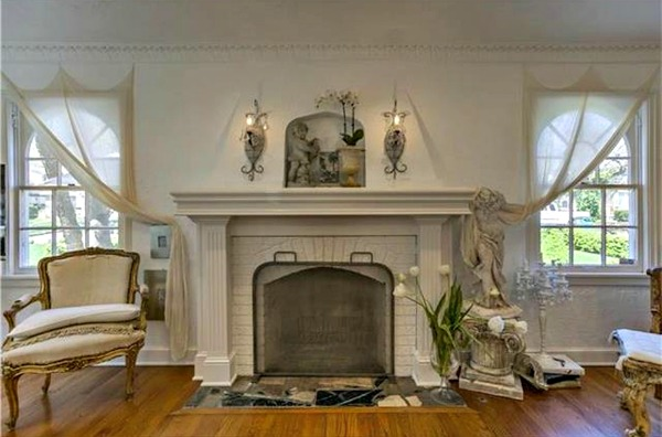 romantic living room in whites