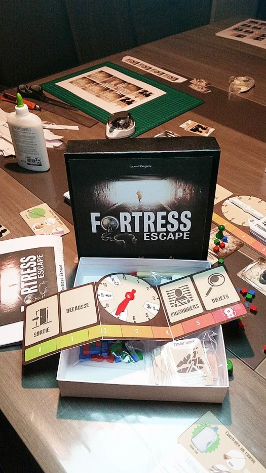 Présentation du deck et de la boîte Fortress Escape