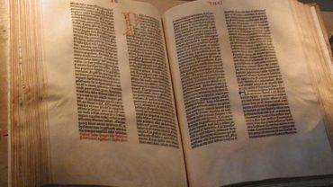 gutenberg_bible_0