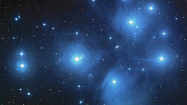 195-07-he-made-the-stars-also