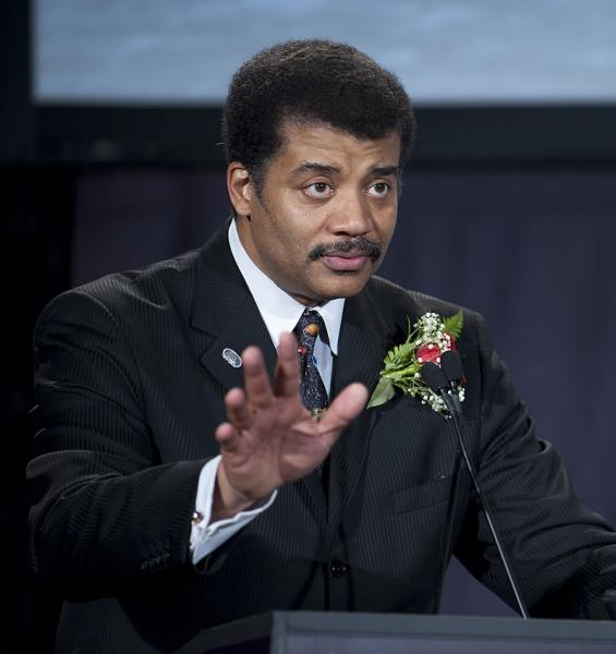 Neil deGrasse Tyson speaking at the National Air and Space Museum in 2009