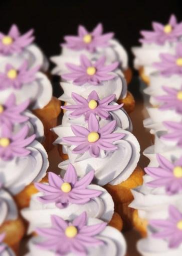 Mini cupcake lavande avec fleur