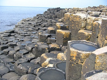 Giants Causeway showing hexegonal columns, WikiCommons