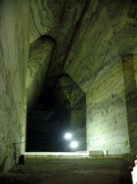 Slanic Salt Mine Cavern, Wiki Commons