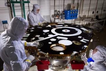 NASA-assembling InSight Mars lander