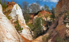 Providence Canyon, Georgia, photo credit: J. Miers - User: (WT-shared) Jtesla16 at wts wikivoyage
