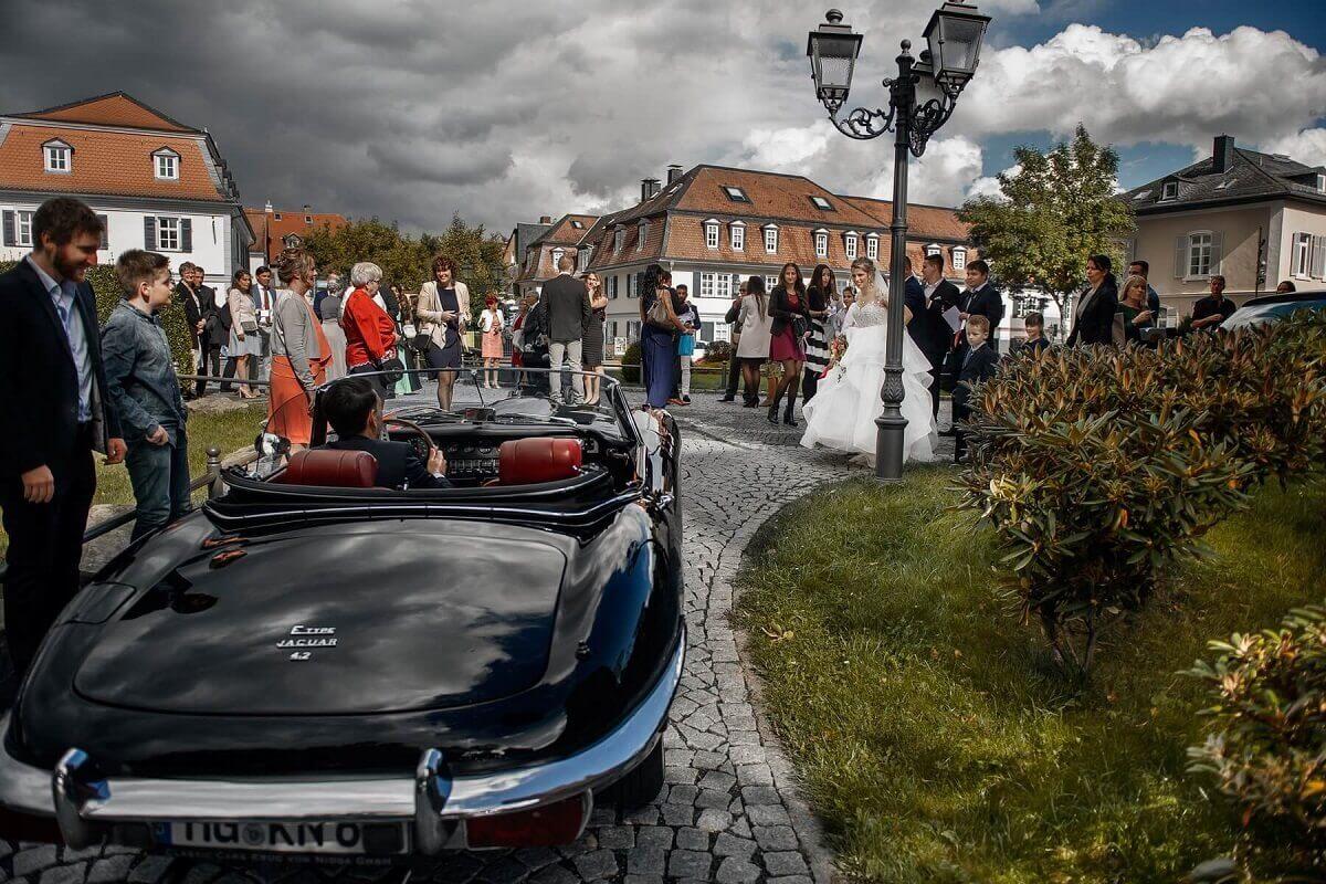 Hochzeitsfotograf-Frankfurt-Brautauto