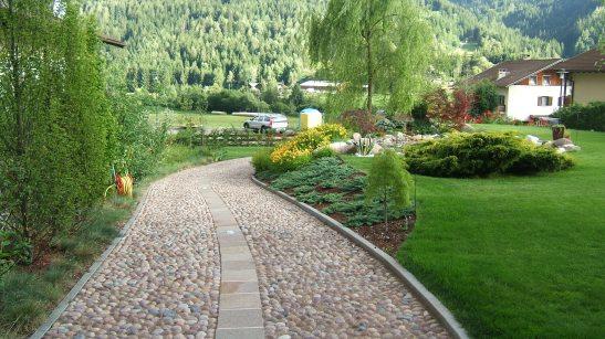 viale in acciotolatto accesso giardino