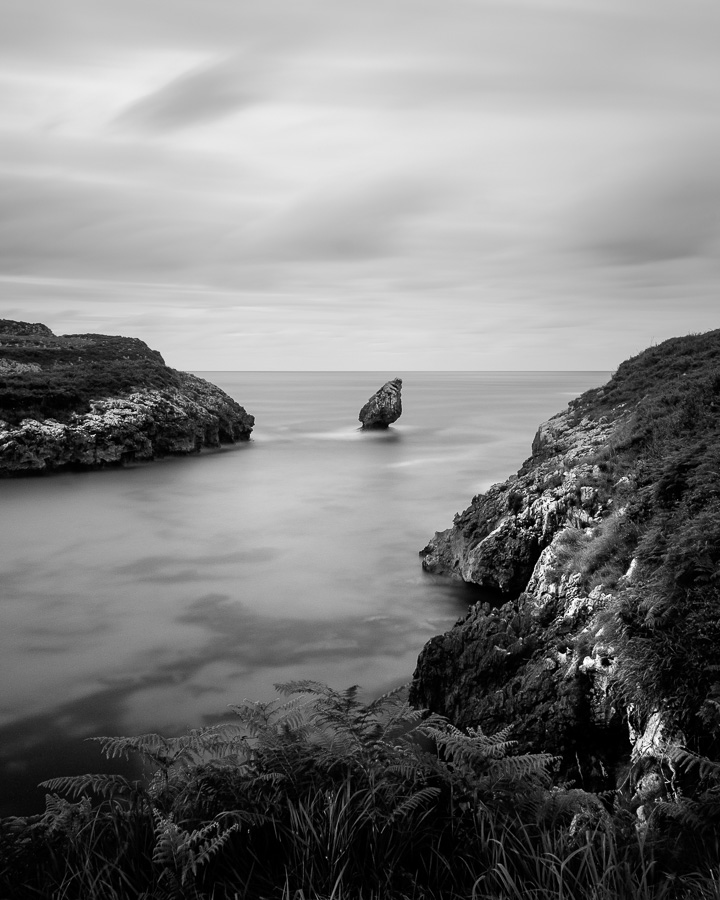 Black & white landscape photo with foreground interest taken in Asturias, Spain