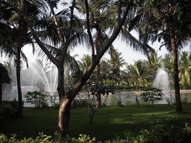 what is the importnat tourist spots in Chennai