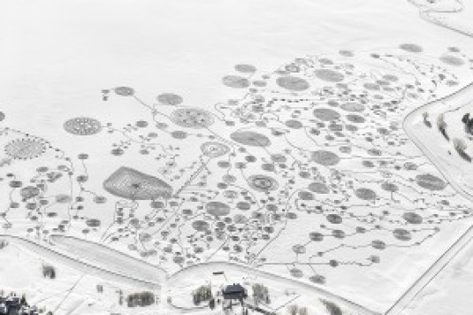 Sonja Hinrichsen Snow Drawing