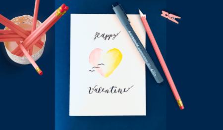 Man sieht eine Grußkarte der Künstlerin Dodo Kresse zum Valentinstag