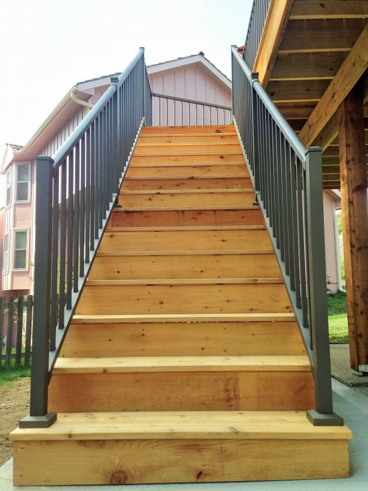 CEDAR DECK STAIRS WITH WESTBURY TUSCANY HANDRAIL (3)