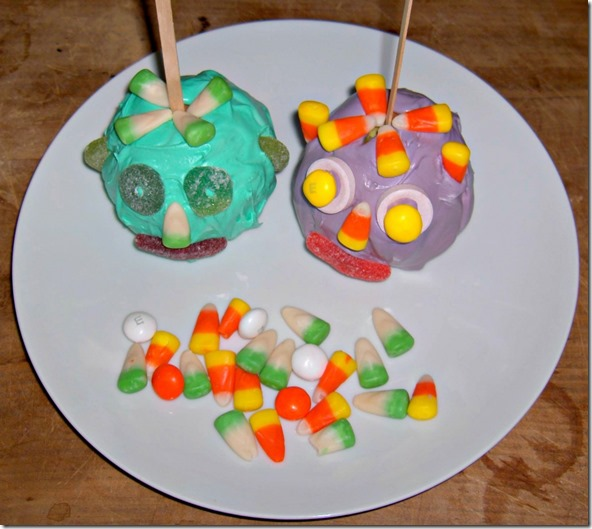 Monster Candy Apple Faces - an easy and quick recipe to make with the kids