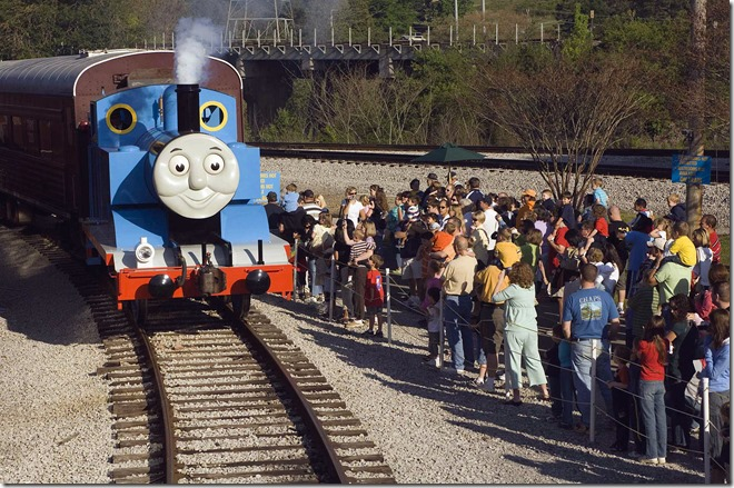 Thomas pulling into the station_HIGH