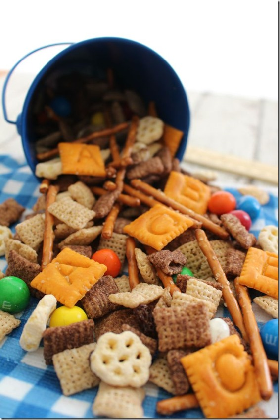 back to school snack mix