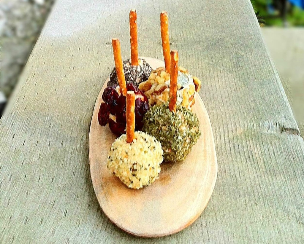 mini-cheese-ball-appetizers-on-a-stick-fb