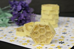 Honey Bee Glitter Soap Recipe