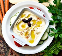 hummus with roasted garlic
