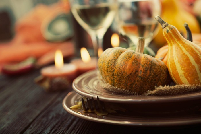 host thanksgiving on a budget