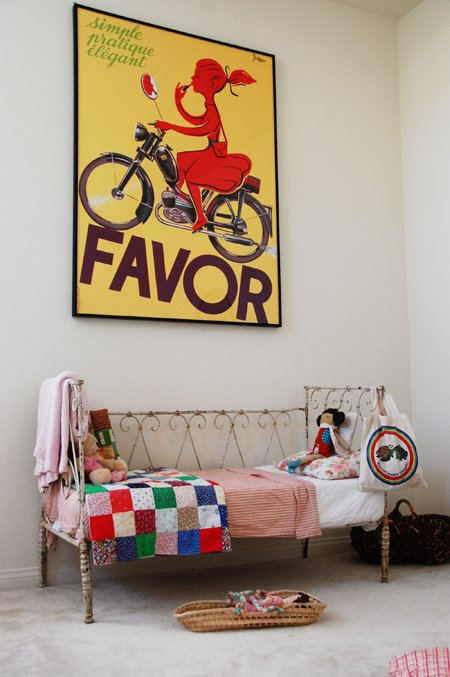 True's bedroom (I've already added that poster to my wish list. I love it.)