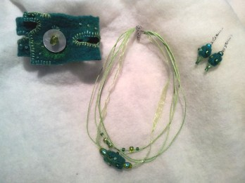 Green felt wearable art set
